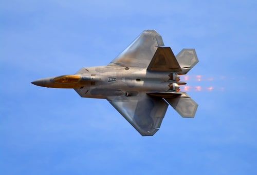 F-22 Raptor fighter jet at airshow.